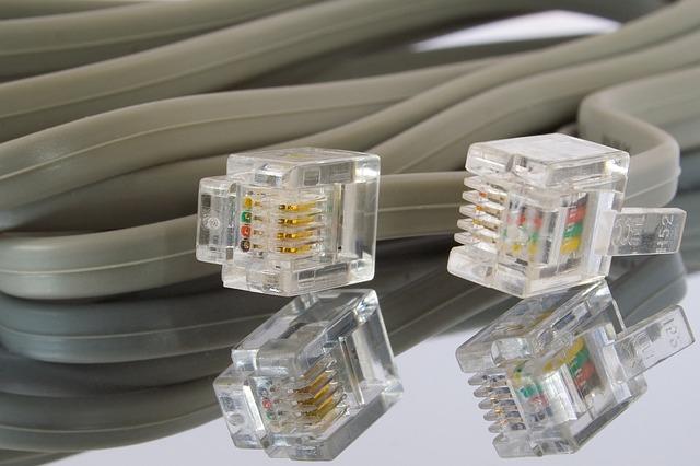 câbles Ethernet plats